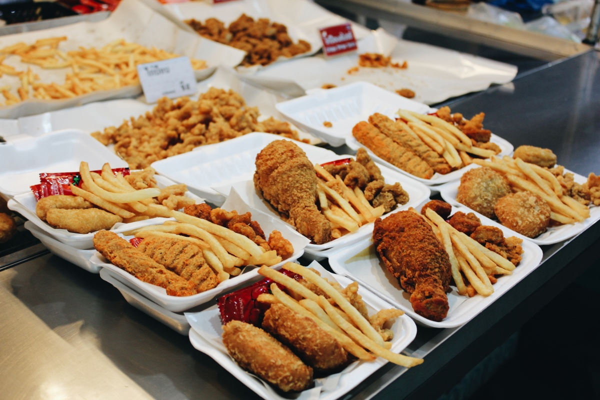 """The affordable cost of unhealthy fast food is usually factored into studies that claim eating out is """"cheaper"""". Photo: Getty"""