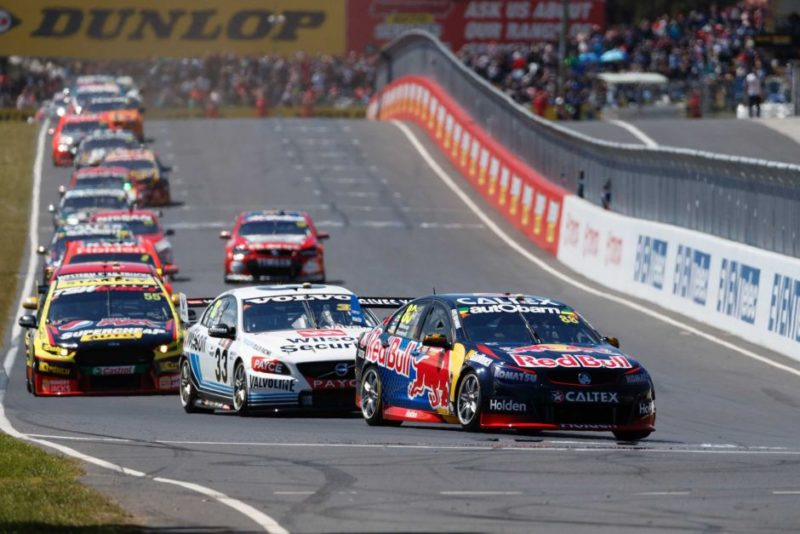 Jamie Whincup leads the start of the Bathurst 1000.