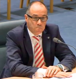 """NAB chief executive Andrew Thorburn failed to say """"sorry"""" during his opening address. He remedied this after prodding from a Labor MP."""