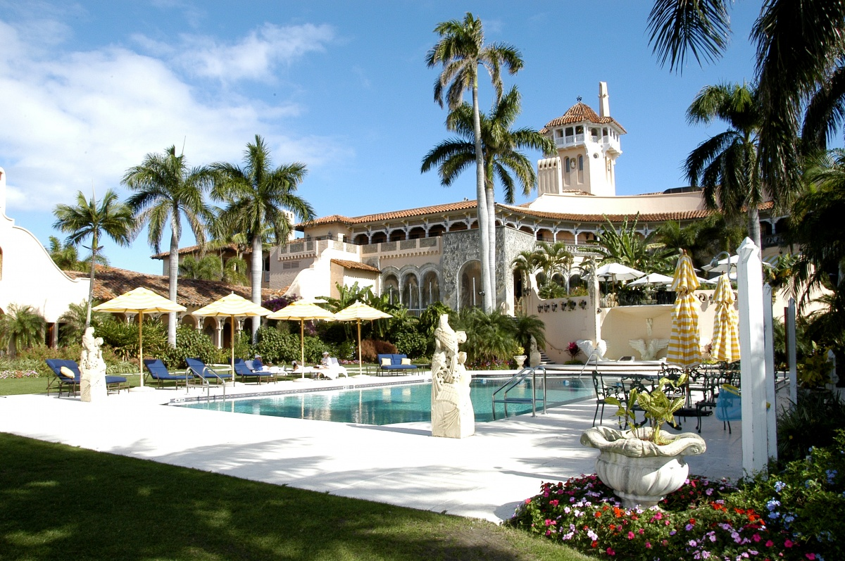 mr trump 39 s mar a lago estate in palm beach florida where two of the