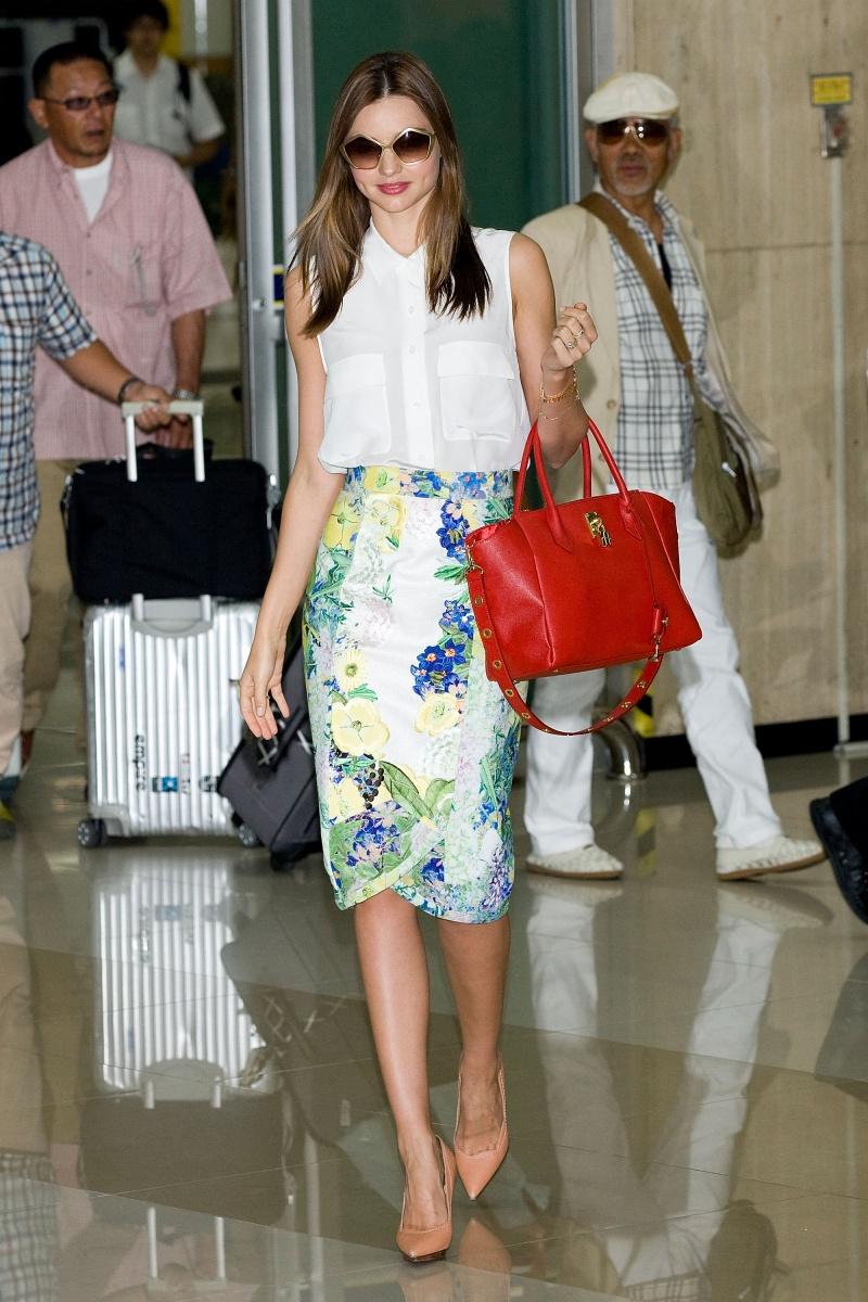 Miranda Kerr airport