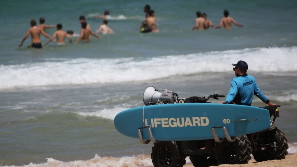 search for teen suspected drowned in Sydney