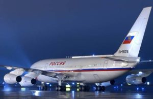 Putin sends plane for US diplomats