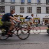 Bikes overtake cars on Copenhagen streets