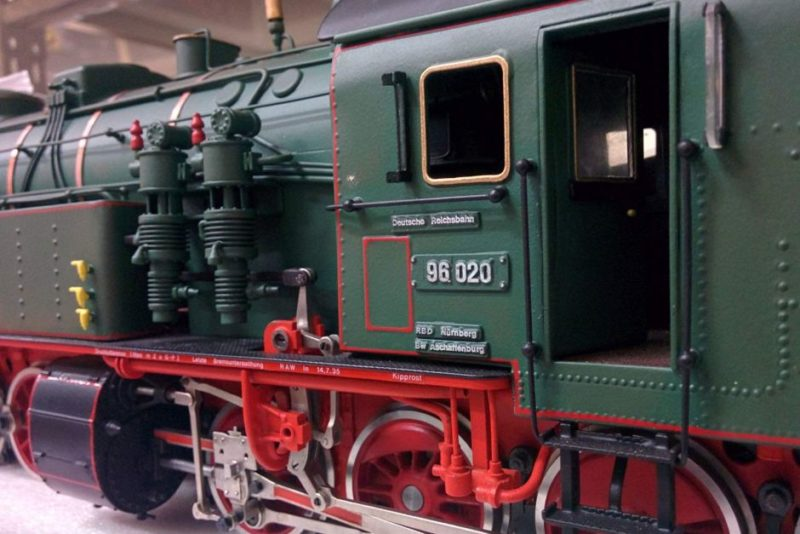 A Bockholt model of a JA Maffei Munchen 96 class freight locomotive.