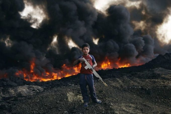 Mosul Oil Fields Have Been Set Alight Are Producing Toxic Smoke
