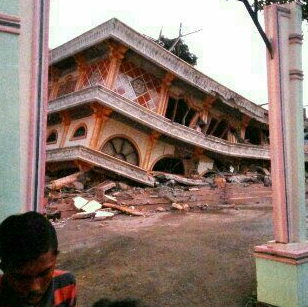 Indonesia's Red Cross has been on the ground updating the damage and casualties. Photo: Twitter.