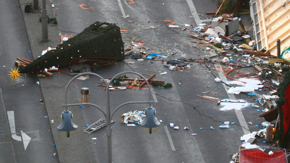 Berlin Truck Attack Europe Wide Manhunt For Suspect With