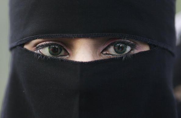 Boris Johnson criticised for burqa comments