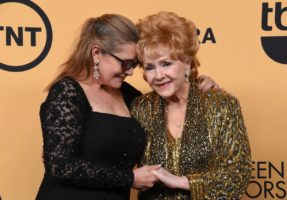 Carrie Fisher and Debbie Reynolds at the 2015 SAG Awards, where Reynolds was honoured. Photo: Getty