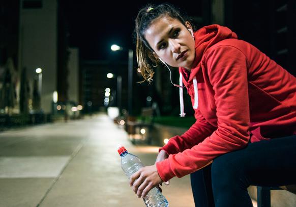 joggerdrinkswater