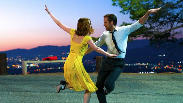Emma Stone and Ryan Gosling shine in the joyous <i>La La Land</i>.