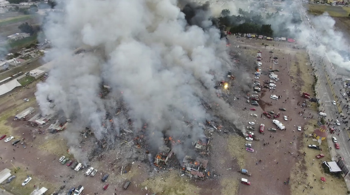 mexico fireworks explosion