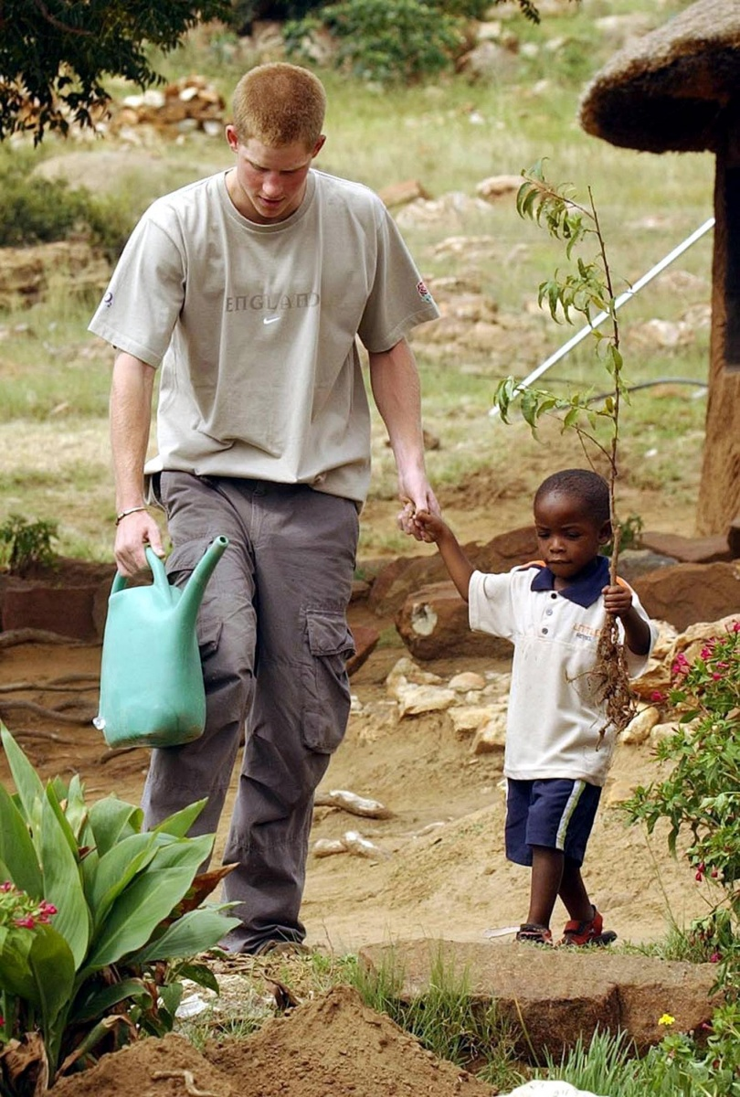 prince-harry-orphan-africa