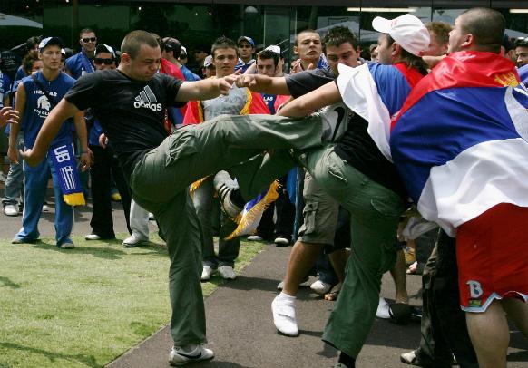 tenniscrowdfights