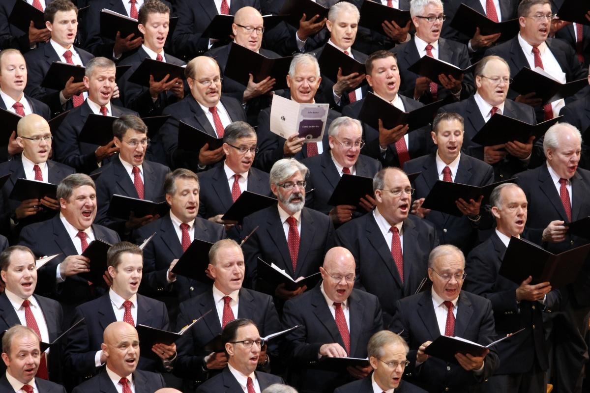 Micallef sings with the Mormon Tabernacle Choir in Salt Lake City. Photo: SBS