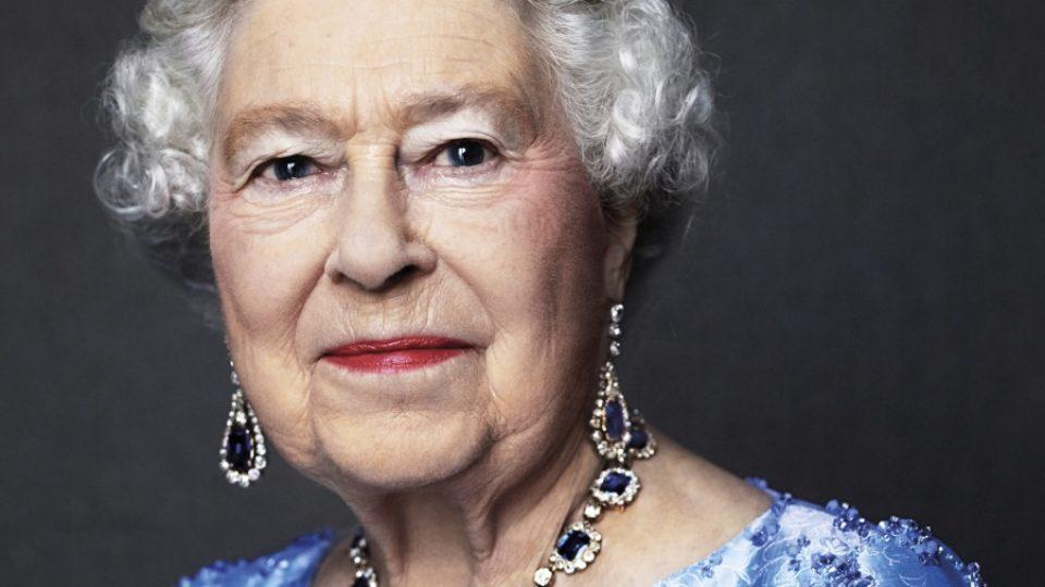 Queen Elizabeth II sapphire anniversary
