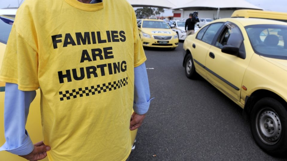 Taxi drivers protest on Bolte Bridge