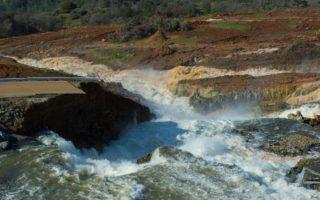 Oroville Dam spillway evacuations
