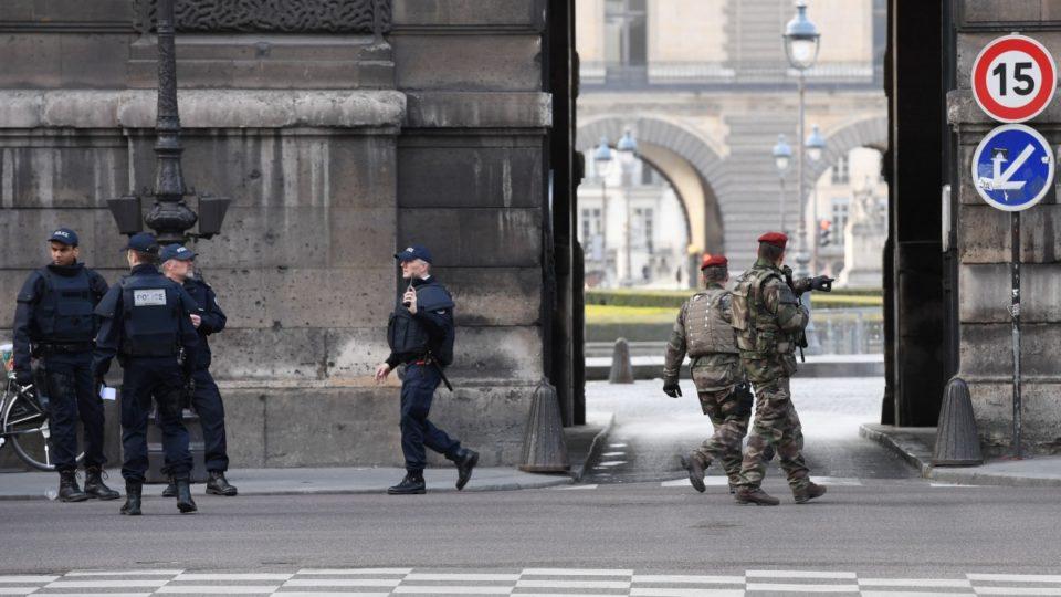 Louvre terrorist incident