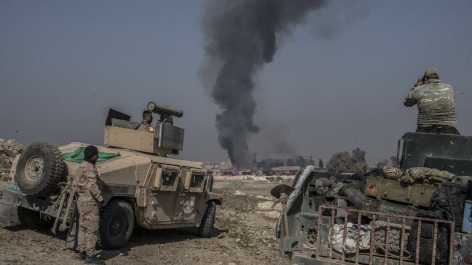 Iraqi forces storm Mosul airport in bid to retake city
