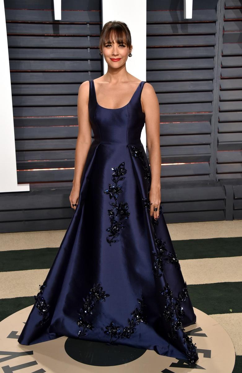 Rashida Jones in a classic navy gown.