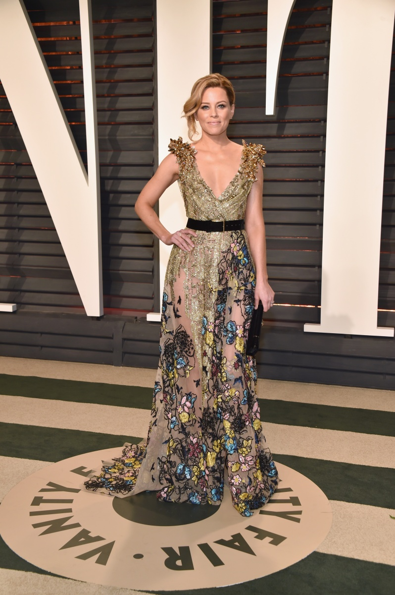 Elizabeth Banks makes a statement in this embellished gown.