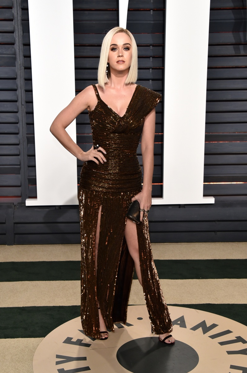 Katy Perry's lopsided brown gown was a surprisingly dull choice.