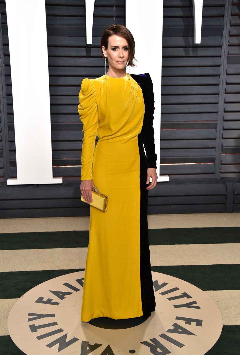 Sarah Paulson's covered-up dress made her look far older than she is.