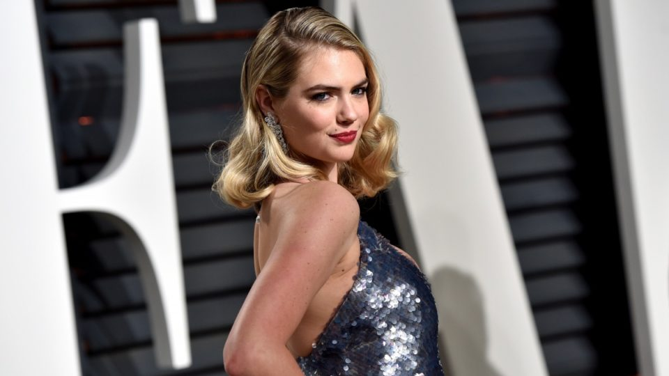 Kate Upton didn't get an invite to the ceremony but still managed to steal the show.