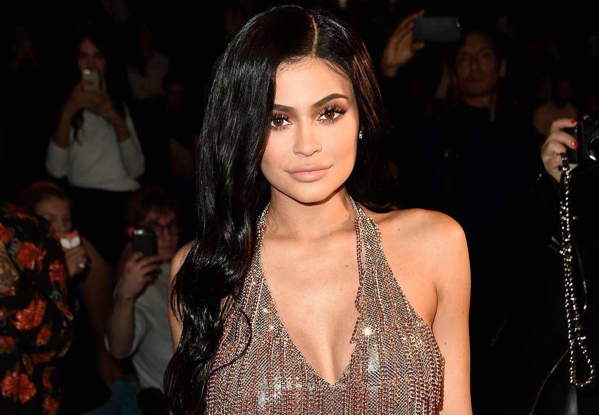 Kylie Jenner's heavy makeup makes her look older than she really is. Photo: Getty