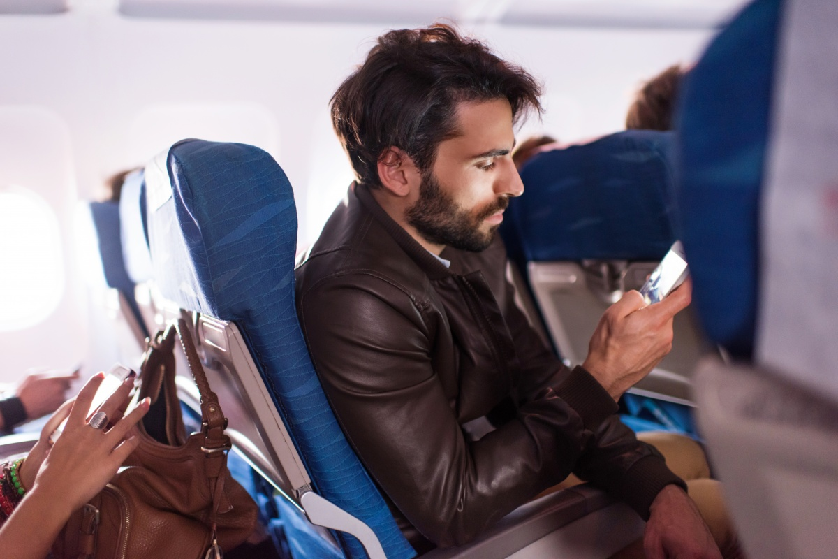 It's still not safe to have your phone off flight mode. Photo: Getty