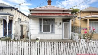 This rundown Seddon home sold for almost $1 million over the weekend.