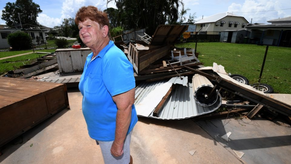 Significant damage feared as powerful Cyclone Debbie hits