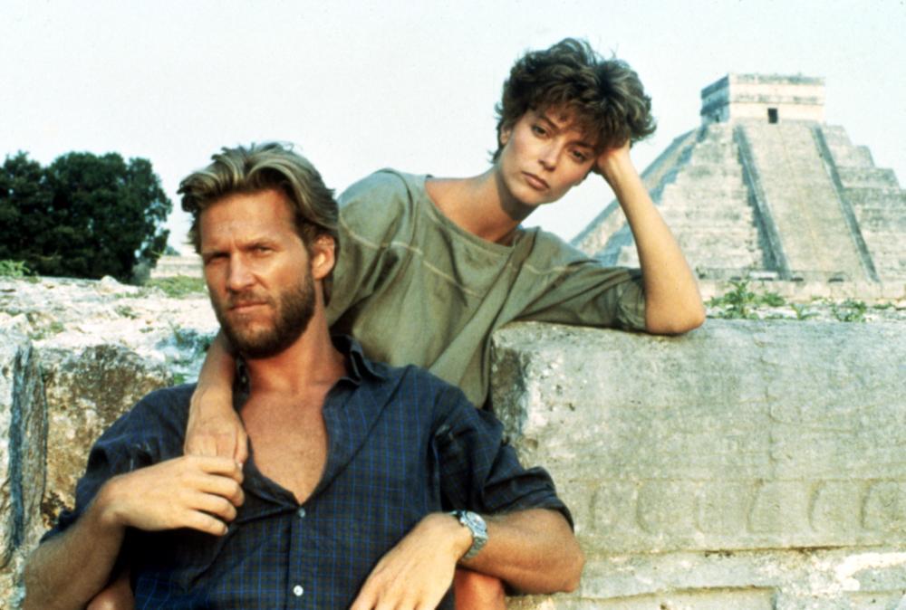 Rachel Ward alongside Jeff Bridges in the 1984 film Against All Odds.