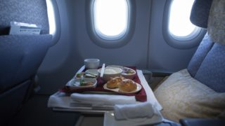 It seems impossible to enjoy a good meal when you're on a flight.