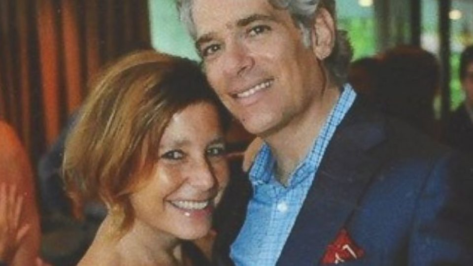 Ms Rosenthal says her husband Jason 'is an easy man to fall in love with. I did it in one day'.