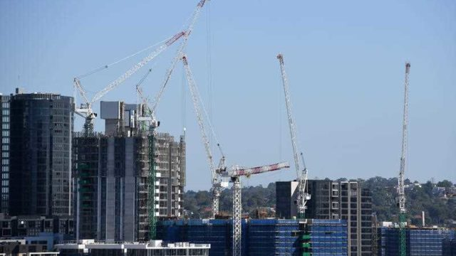 The number of cranes on Australian high-rise sites surged 323 per cent since late-2013.