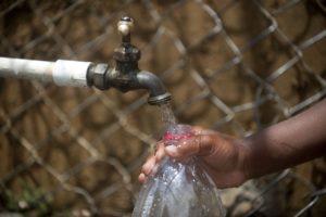 sieve clean water