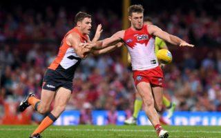 Heath Shaw tackles Luke Parker