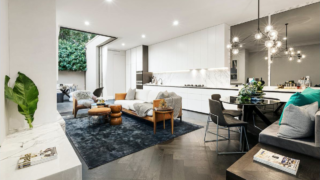7 King Street, St Kilda East sold before its weekend auction for an undisclosed price.