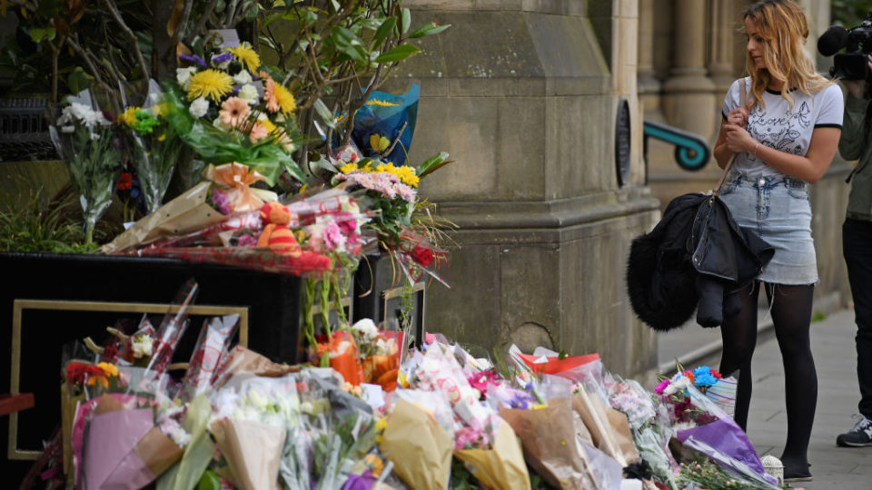 Manchester bomber likely did not act alone, official says