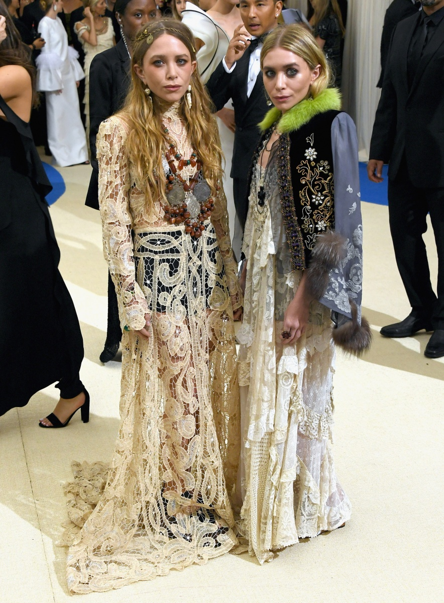 mary kate and ashley olsen met gala