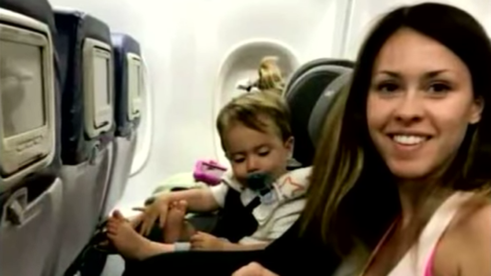Delta apologizes to family booted from flight