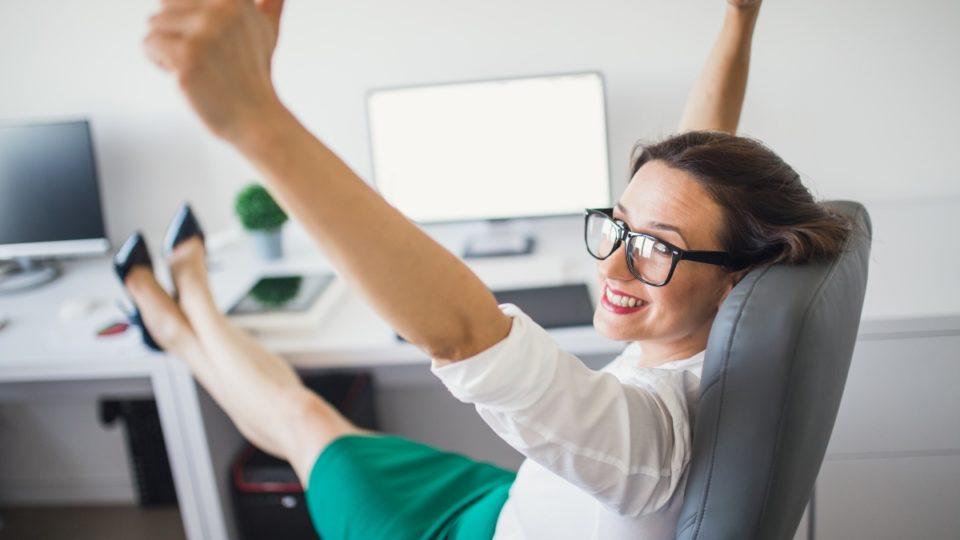 woman cheer computer