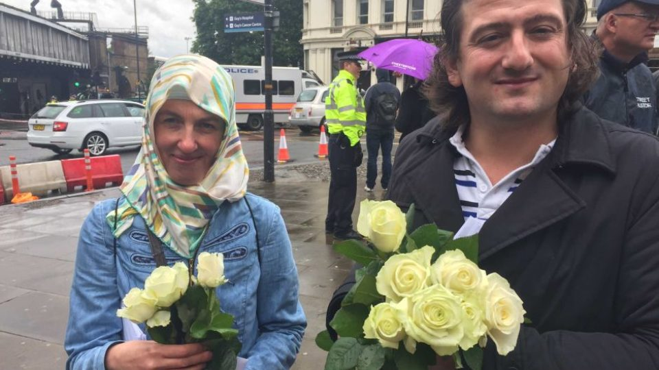 Thousands join vigil for London Bridge attack victims