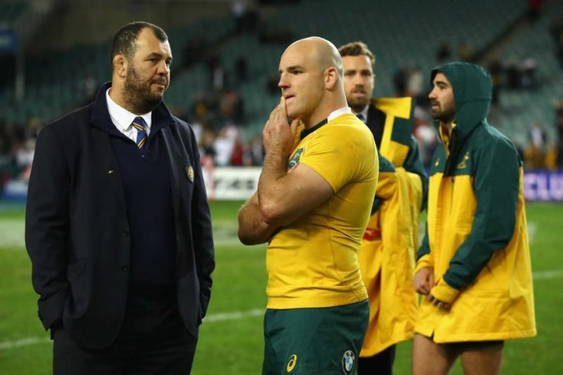 Michael Cheika talks to captain Stephen Moore