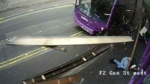 Simon Smith bus