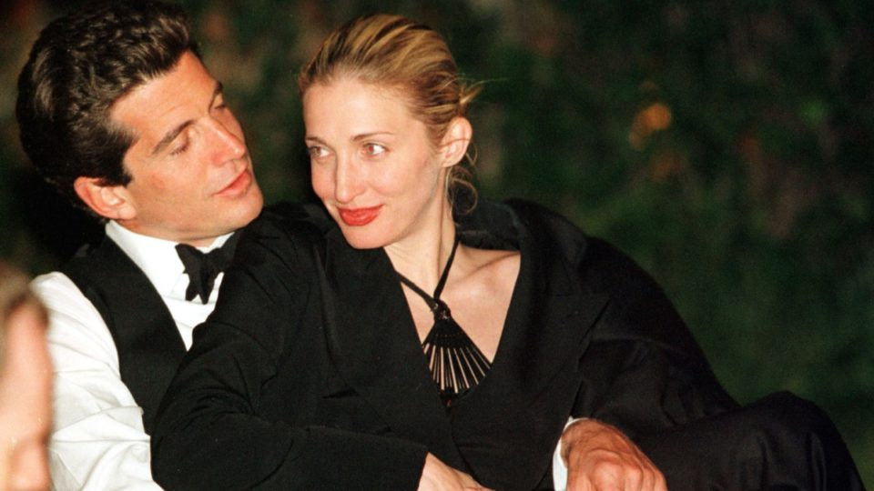 Why We Should All Dres Like Jfk Jr And Carolyn Bessette