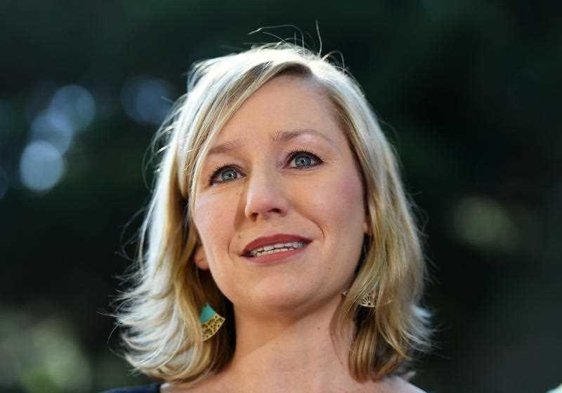 larissa Waters quits over citizenship bungle